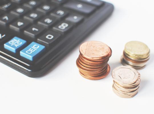 Geef consument drie maanden bescherming tegen schuldeisers