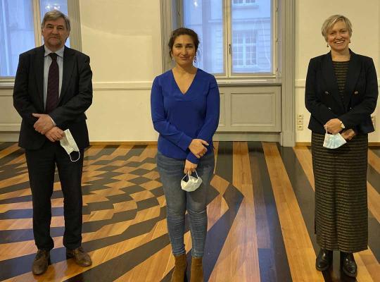 Vlnr: Wilfried Vandaele, Zuhal Demir, Inez De Coninck.